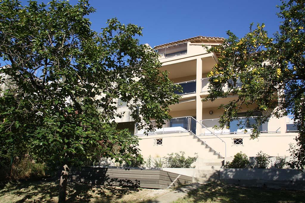Appartement saint nazaire rez de jardin carcassonne for Appartement bordeaux rez de jardin